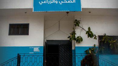 Photo of جانب من عمل مركز الحجر الصحي والزراعي في معبر باب الهوى