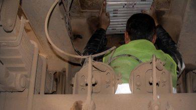 Photo of أمانة الجمارك في معبر باب الهوى تضبط مواد ممنوعة مهربة ضمن مخابئ سرية في إحدى الشاحنات.