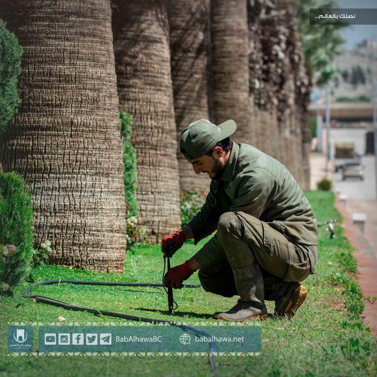 "Photo of جانب من أعمال قسم الإشراف الفني ""ورشة الزراعة"" في معبر باب الهوى"