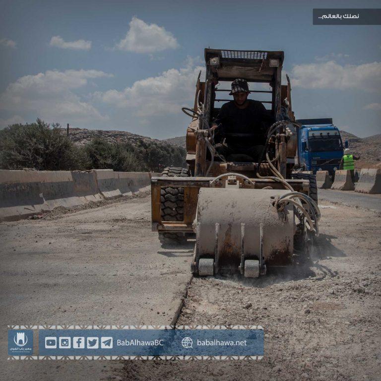 Photo of جانب من أعمال ورشات قسم الإشراف الفني في معبر باب الهوى