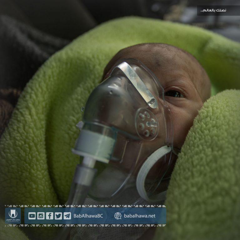 Photo of جانب من عمل قسم الإسعاف في مكتب التنسيق الطبي بمعبر باب الهوى
